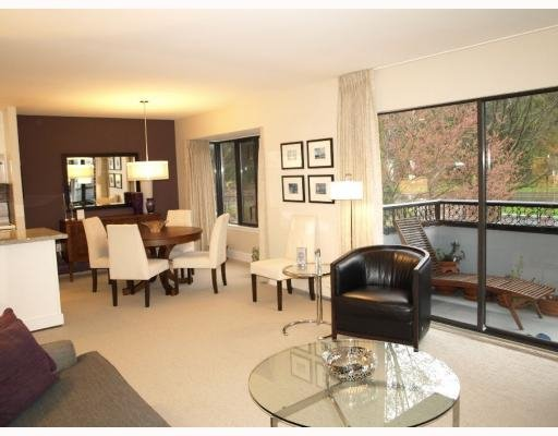 Main Photo: 512 1405 West 15th Avenue in Vancouver: Condo for sale : MLS®# V808903