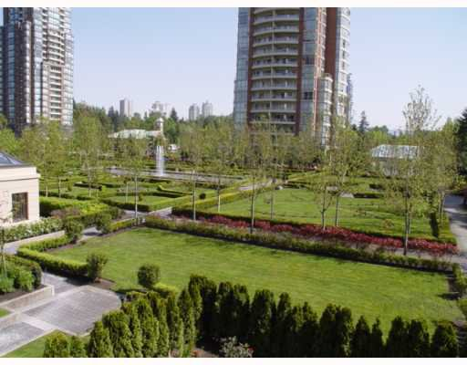 "Main Photo: 305 7388 SANDBORNE Avenue in Burnaby: South Slope Condo for sale in ""MAYFAIR PLACE"" (Burnaby South)  : MLS®# V648800"
