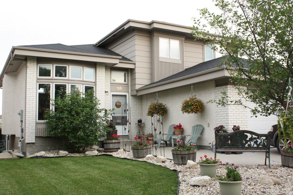 Main Photo: 99 Deering Close in Winnipeg: Residential for sale (North East Winnipeg)  : MLS®# 1103118