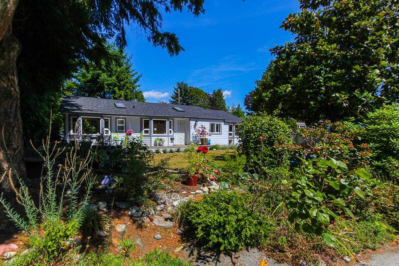 """Main Photo: 1148 MAPLEWOOD Crescent in North Vancouver: Norgate House for sale in """"NORGATE"""" : MLS®# R2439525"""