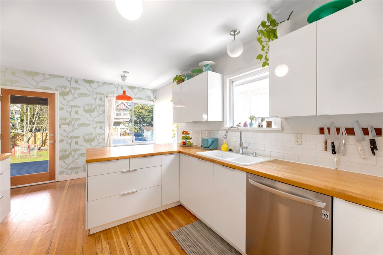 Photo 5: Photos: 1749 GRANT Street in Vancouver: Grandview Woodland House for sale (Vancouver East)  : MLS®# R2448906