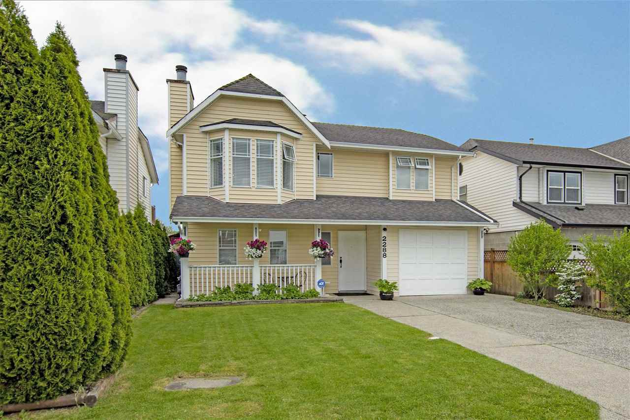 Main Photo: 2288 WILLOUGHBY Court in Langley: Willoughby Heights House for sale : MLS®# R2457274