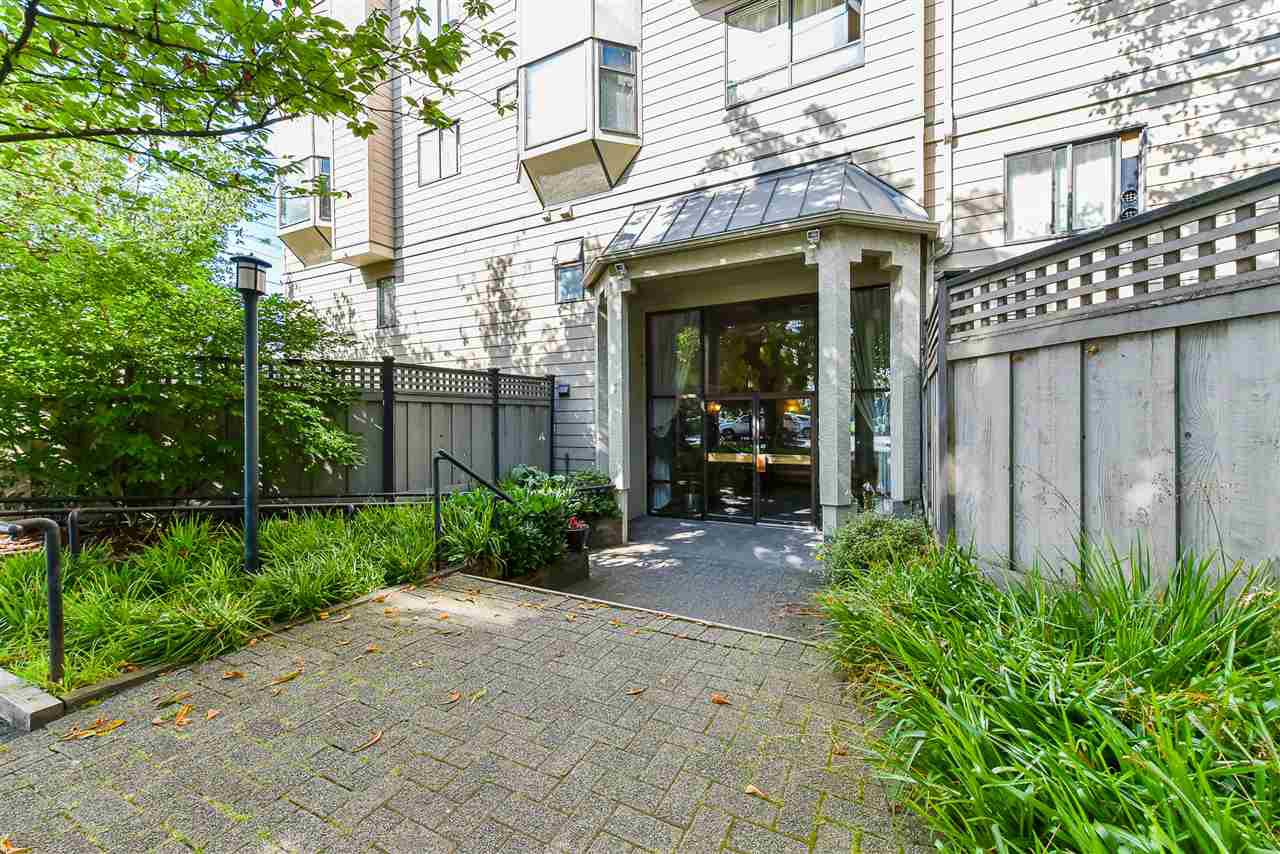 "Main Photo: 407 777 EIGHTH Street in New Westminster: Uptown NW Condo for sale in ""Moody Gardens"" : MLS®# R2479408"