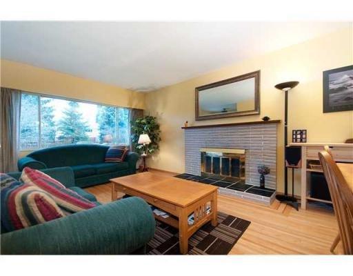 Photo 2: Photos: 1557 BALMORAL AV in Coquitlam: House for sale : MLS®# V866724