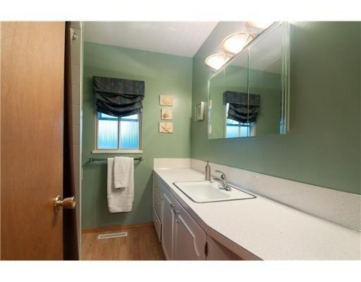 Photo 6: Photos: 1557 BALMORAL AV in Coquitlam: House for sale : MLS®# V866724