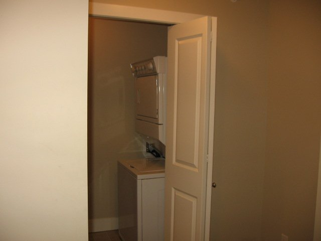 Photo 11: Photos: 404 - 256 HASTINGS AVENUE in PENTICTON: Residential Attached for sale : MLS®# 140039