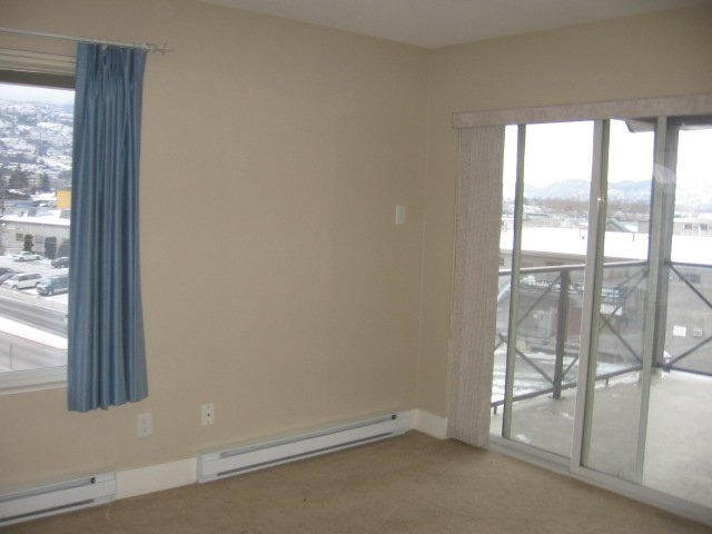 Photo 3: Photos: 404 - 256 HASTINGS AVENUE in PENTICTON: Residential Attached for sale : MLS®# 140039