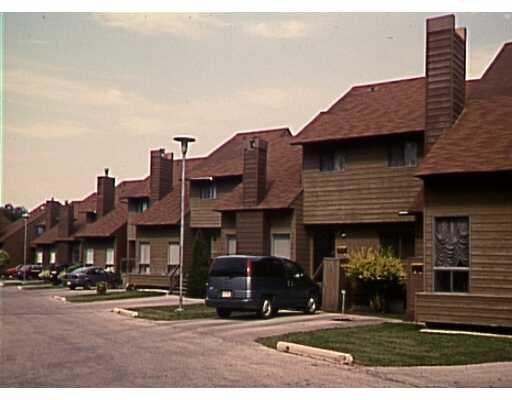 Main Photo: 79 151 GREENWAY Crescent East in WINNIPEG: Westwood / Crestview Condominium for sale (West Winnipeg)  : MLS®# 2301053