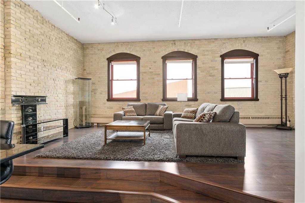 Photo 2: Photos: 616 167 Bannatyne Avenue in Winnipeg: Exchange District Condominium for sale (9A)  : MLS®# 202001721