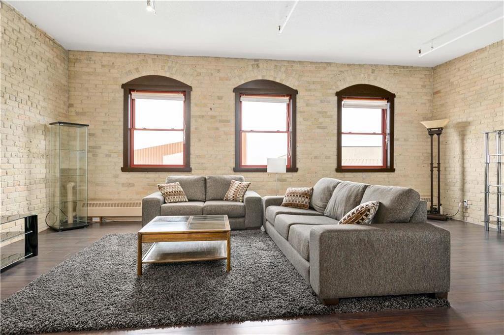 Photo 3: Photos: 616 167 Bannatyne Avenue in Winnipeg: Exchange District Condominium for sale (9A)  : MLS®# 202001721