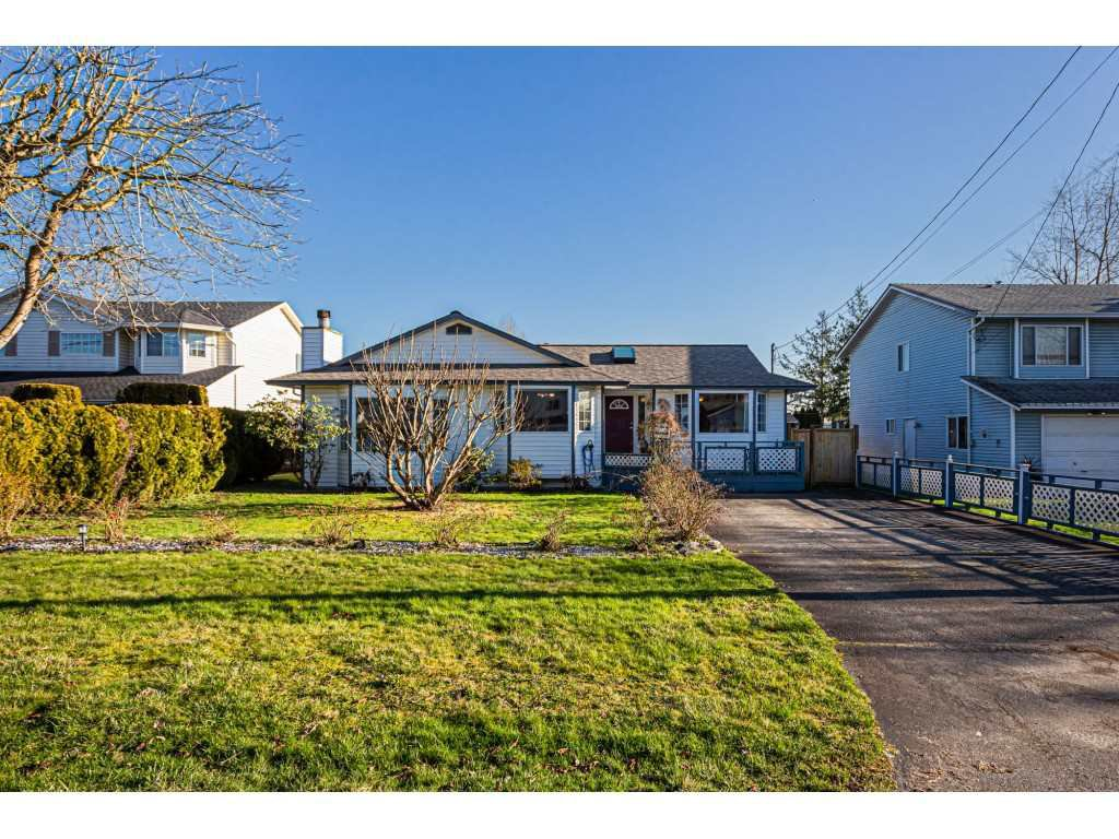 Main Photo: 20160 CHIGWELL Street in Maple Ridge: Southwest Maple Ridge House for sale : MLS®# R2437868
