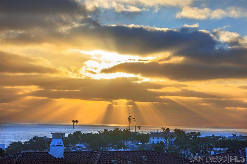 Main Photo: ENCINITAS Townhouse for rent : 2 bedrooms : 348 Paseo Pacifica