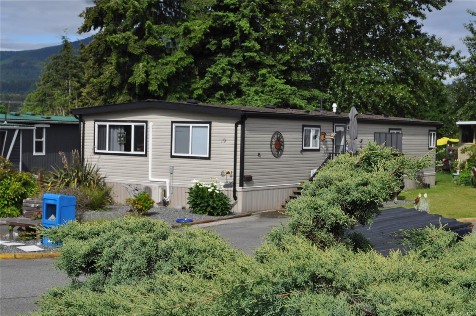 Main Photo: 19 80 5th St in : Na South Nanaimo Manufactured Home for sale (Nanaimo)  : MLS®# 851519
