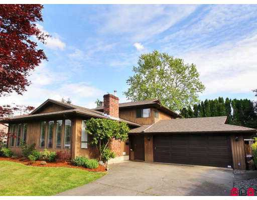 Main Photo: 19860 49TH Avenue in Langley: Langley City House for sale : MLS®# F2715046