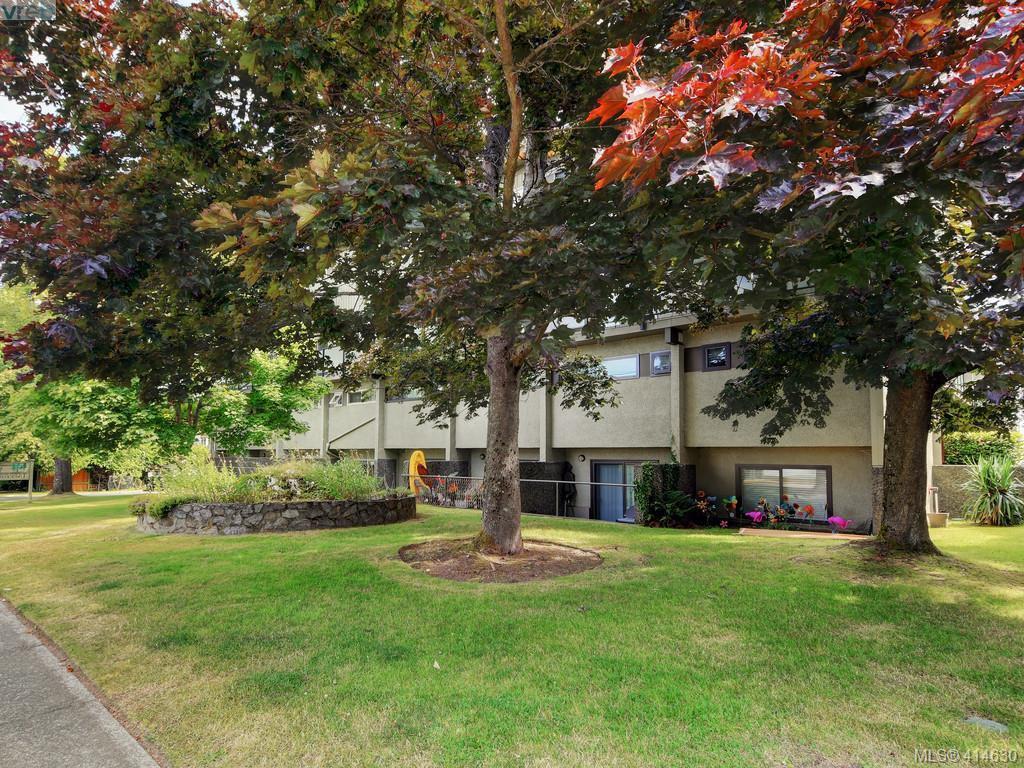 Main Photo: 41 477 Lampson Street in VICTORIA: Es Old Esquimalt Condo Apartment for sale (Esquimalt)  : MLS®# 414630