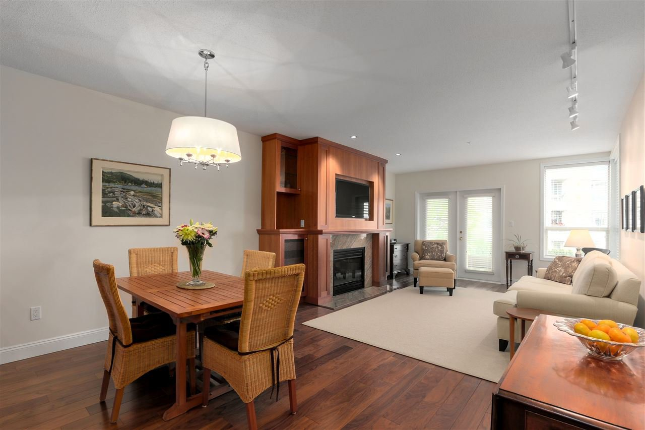 """Main Photo: 103 2202 MARINE Drive in West Vancouver: Dundarave Condo for sale in """"Stratford Court"""" : MLS®# R2465972"""