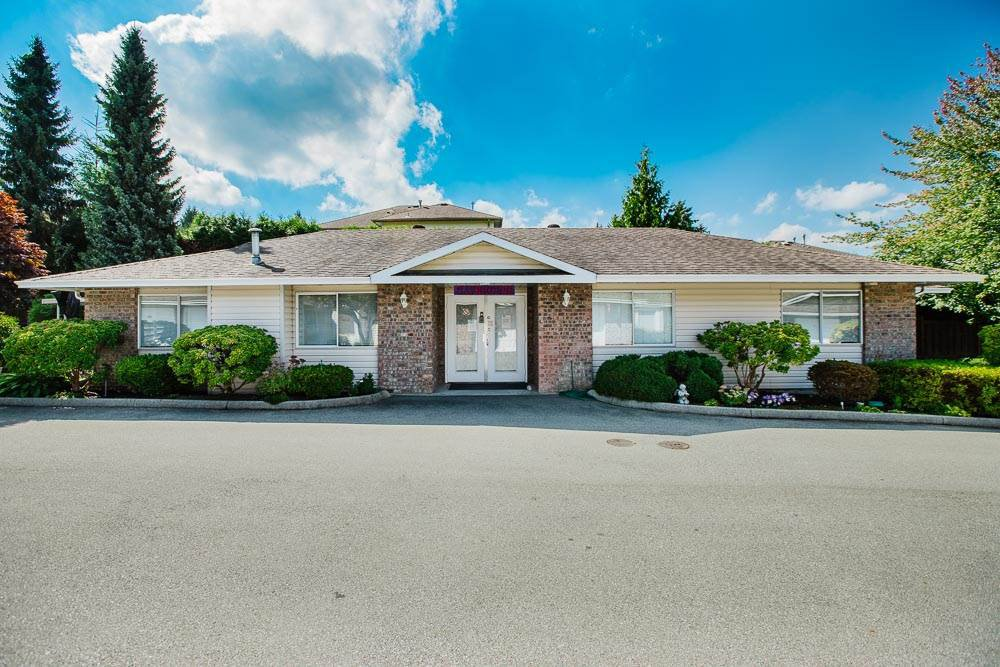 """Main Photo: 49 22308 124 Avenue in Maple Ridge: West Central Townhouse for sale in """"BRANDY WYND ESTATES"""" : MLS®# R2494203"""
