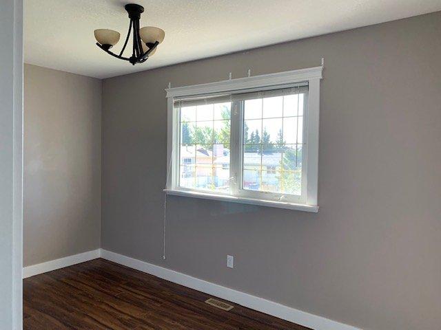 Photo 10: Photos: 9415 105 Avenue in Fort St. John: Fort St. John - City NE House for sale (Fort St. John (Zone 60))  : MLS®# R2400324
