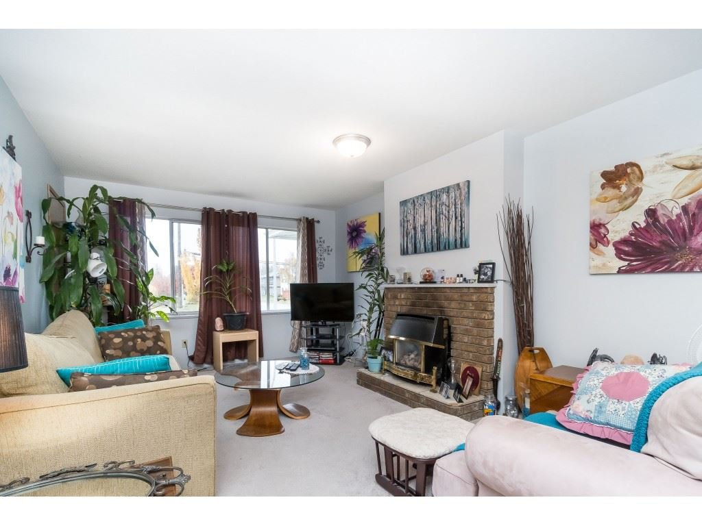 Photo 5: Photos: 9511 150 Street in Surrey: Fleetwood Tynehead House Duplex for sale : MLS®# R2415769