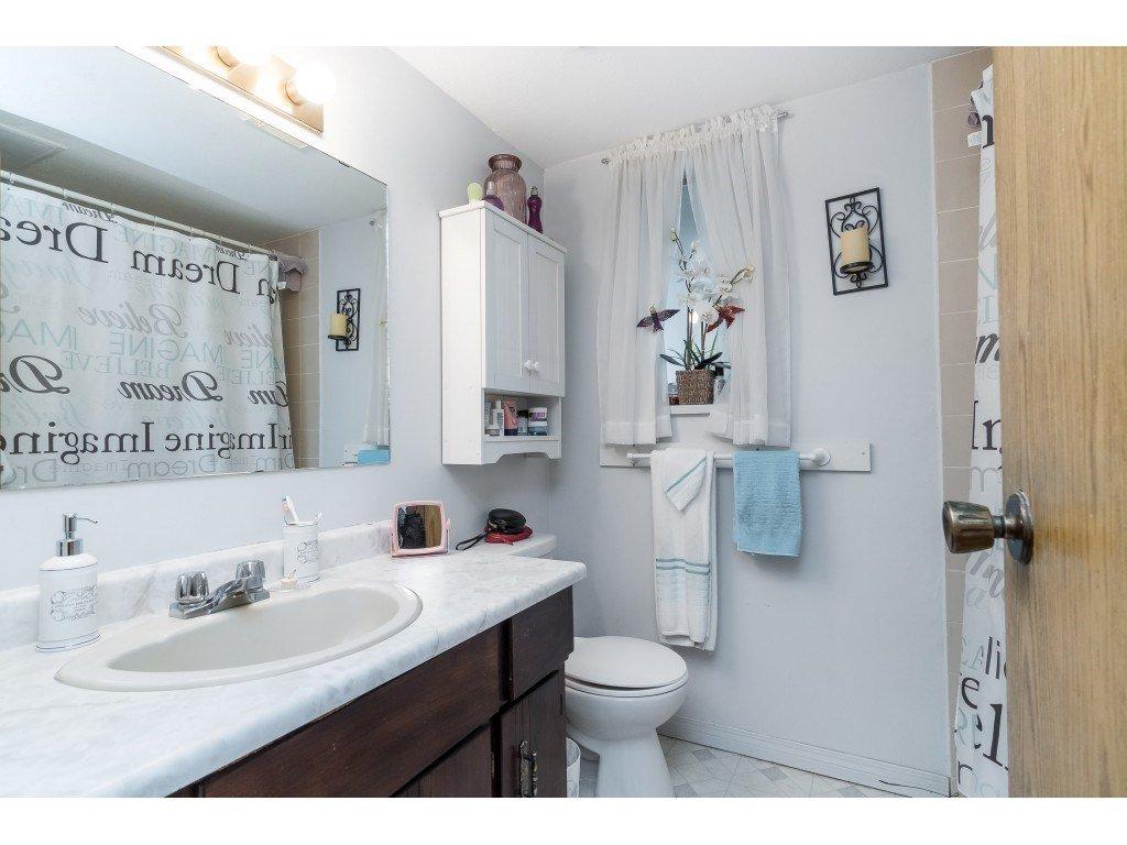 Photo 12: Photos: 9511 150 Street in Surrey: Fleetwood Tynehead House Duplex for sale : MLS®# R2415769