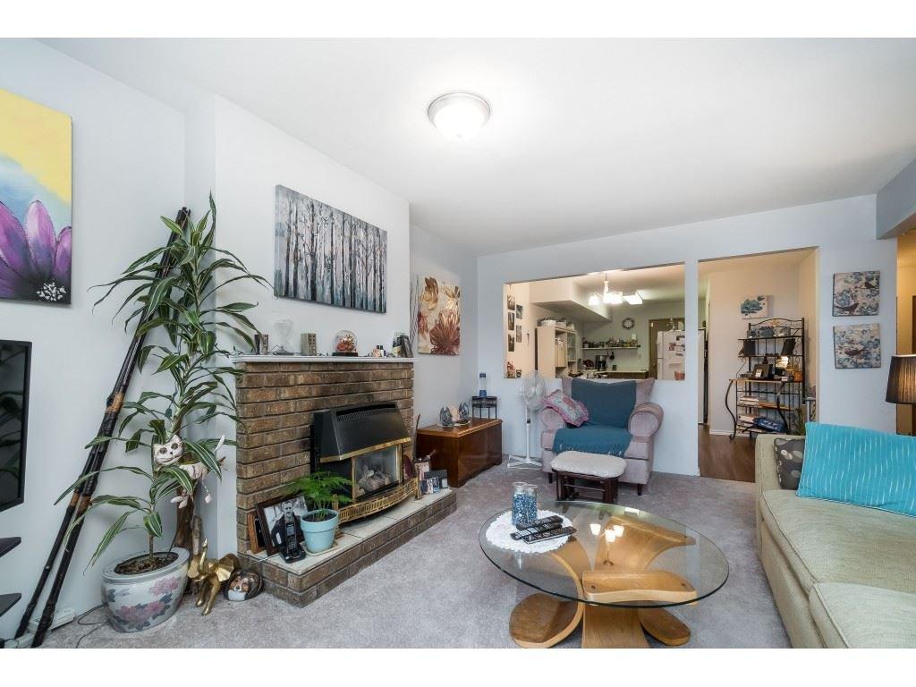 Photo 7: Photos: 9511 150 Street in Surrey: Fleetwood Tynehead House Duplex for sale : MLS®# R2415769