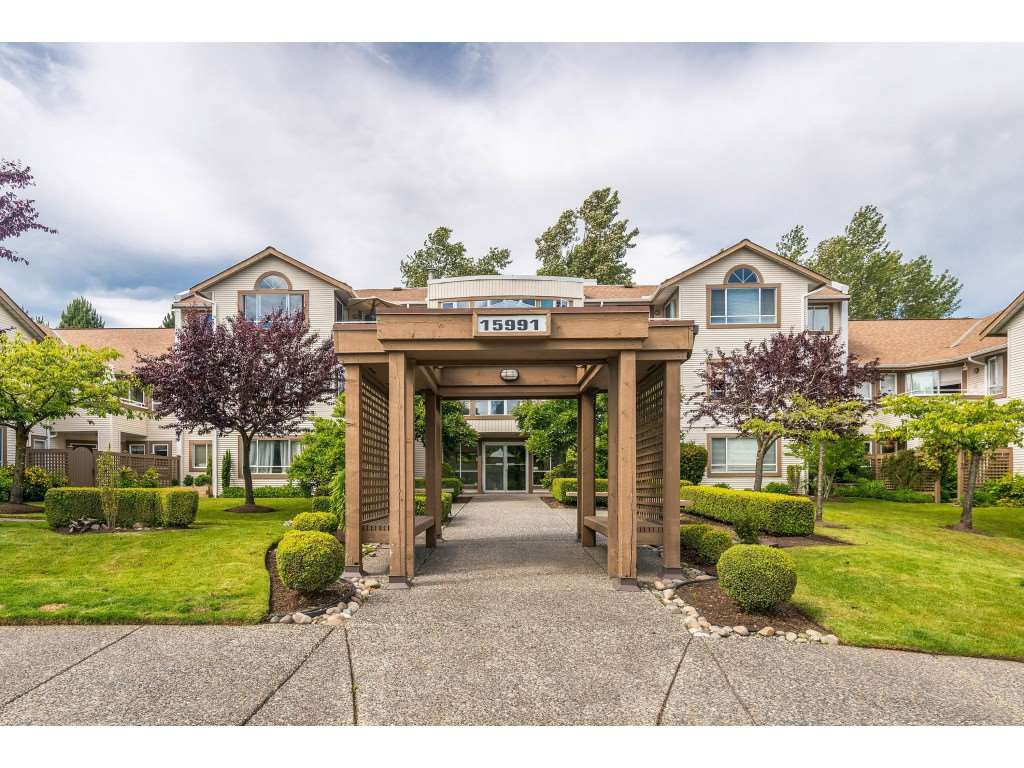 "Main Photo: 105 15991 THRIFT Avenue: White Rock Condo for sale in ""ARCADIAN"" (South Surrey White Rock)  : MLS®# R2441323"
