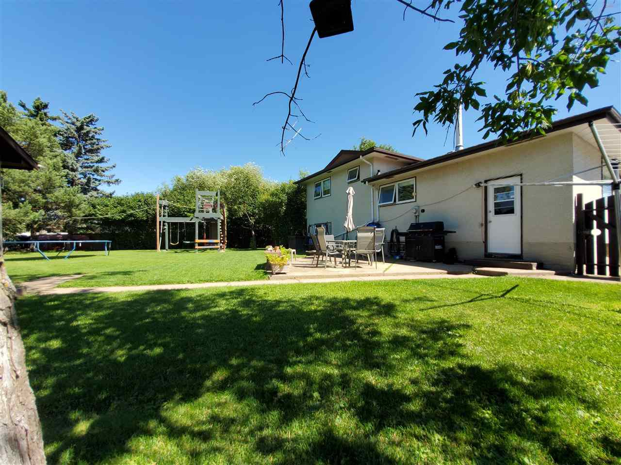 Photo 38: Photos: 125 Spruce Crescent: Wetaskiwin House for sale : MLS®# E4207728