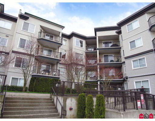 "Main Photo: 412 5765 GLOVER Road in Langley: Langley City Condo for sale in ""COLLEGE COURT"" : MLS®# F2806849"