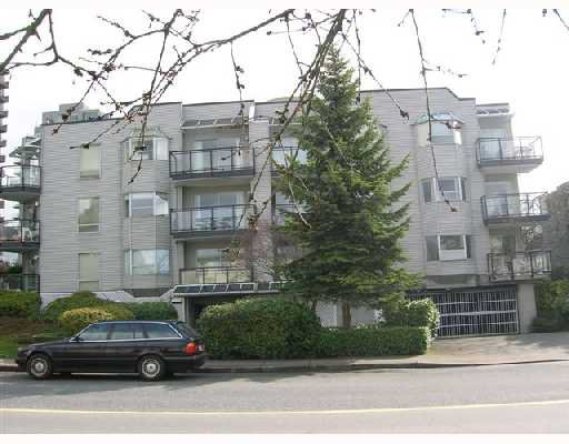 "Main Photo: 203 1550 CHESTERFIELD Avenue in North_Vancouver: Central Lonsdale Condo for sale in ""CHESTER'S"" (North Vancouver)  : MLS®# V696980"