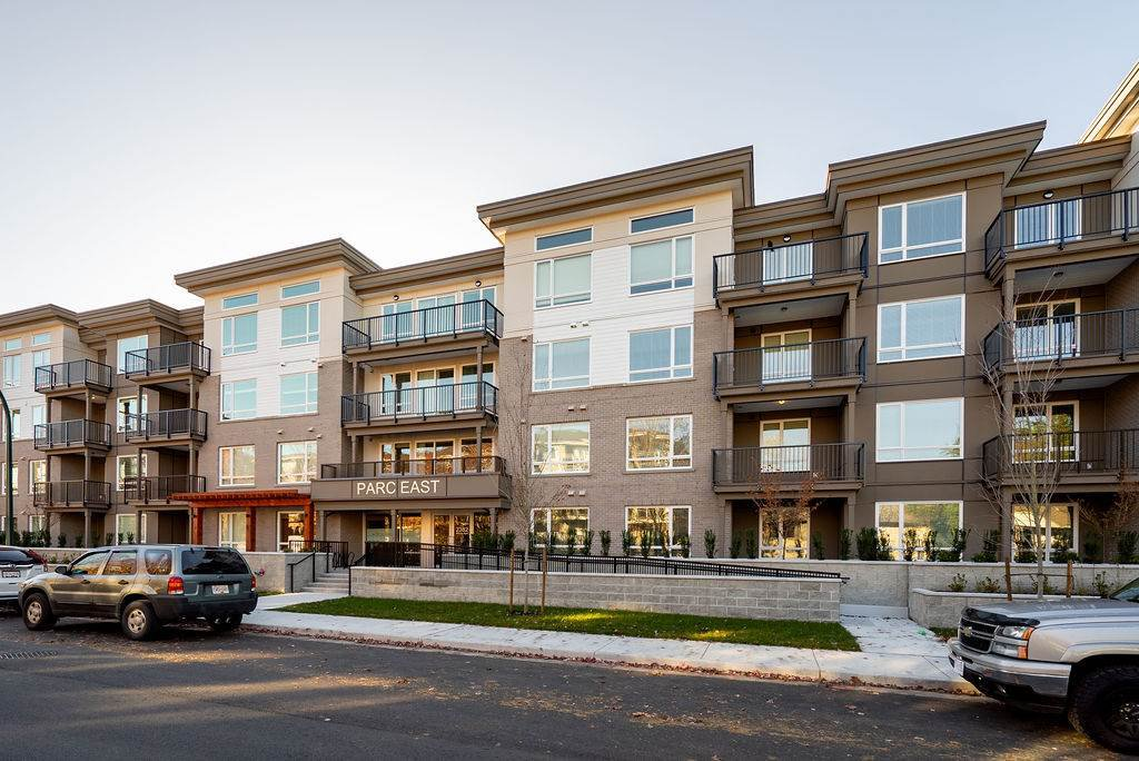 "Main Photo: 214 2382 ATKINS Avenue in Port Coquitlam: Central Pt Coquitlam Condo for sale in ""PARC EAST"" : MLS®# R2422151"