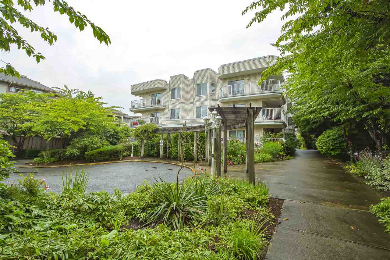 Main Photo: 309 12206 224TH Street in Maple Ridge: East Central Condo for sale : MLS®# R2472167