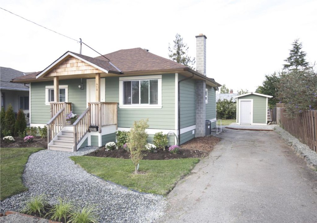Main Photo: 410 Walter Ave in Victoria: Residential for sale : MLS®# 283473
