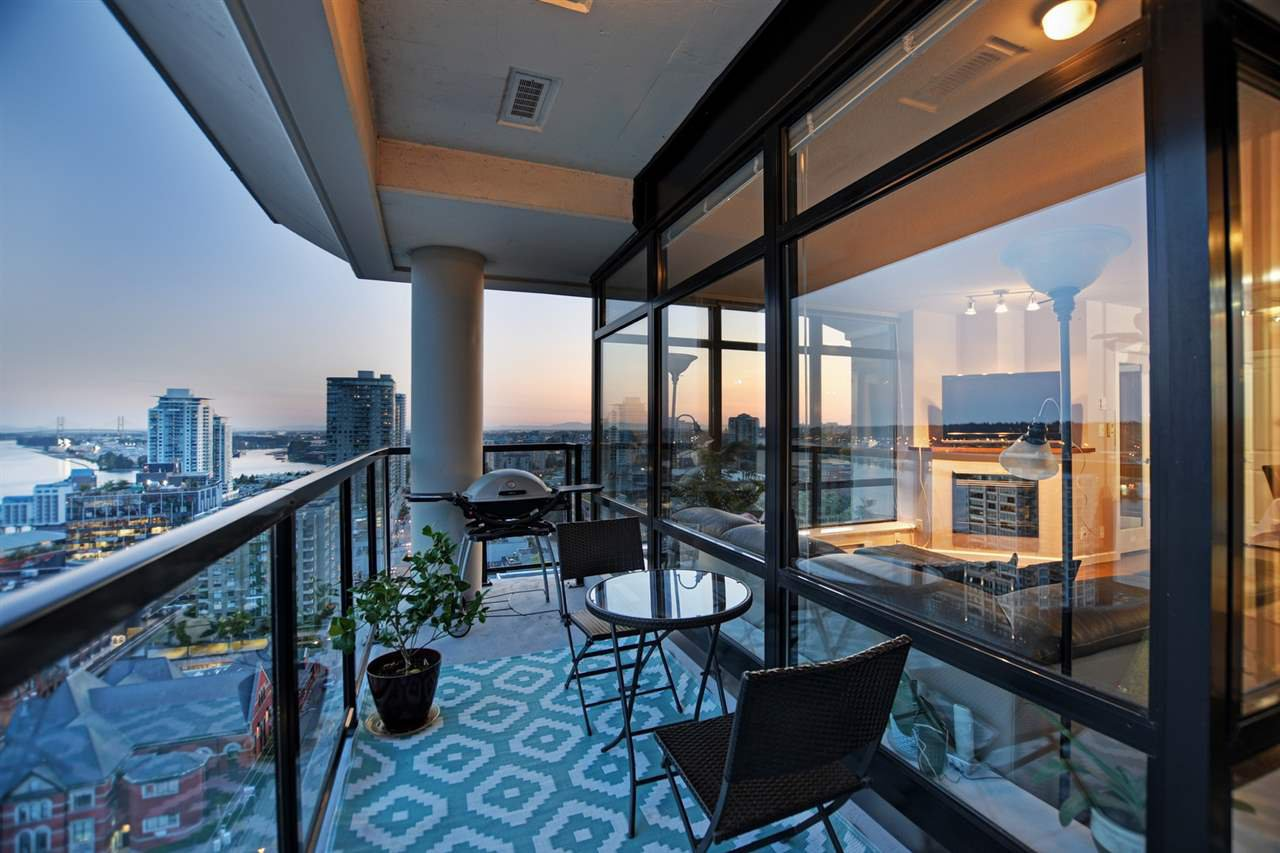 """Main Photo: 1804 610 VICTORIA Street in New Westminster: Downtown NW Condo for sale in """"The Point"""" : MLS®# R2398304"""
