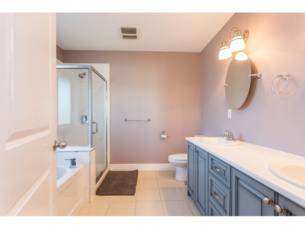 Photo 13: Photos: 34649 2ND Avenue in Abbotsford: Poplar House for sale : MLS®# R2419025