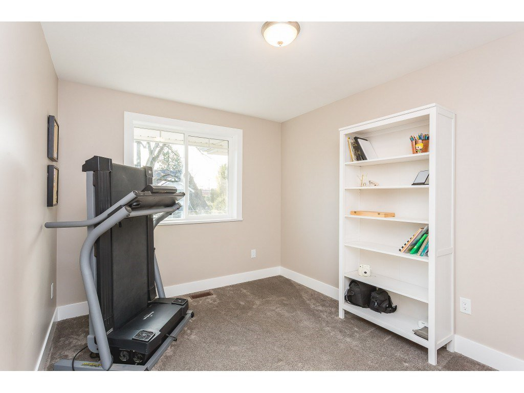 Photo 16: Photos: 34649 2ND Avenue in Abbotsford: Poplar House for sale : MLS®# R2419025