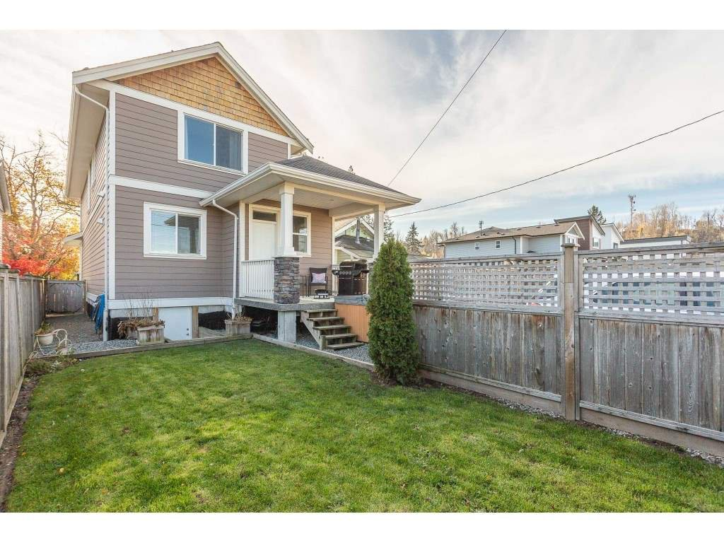 Photo 19: Photos: 34649 2ND Avenue in Abbotsford: Poplar House for sale : MLS®# R2419025
