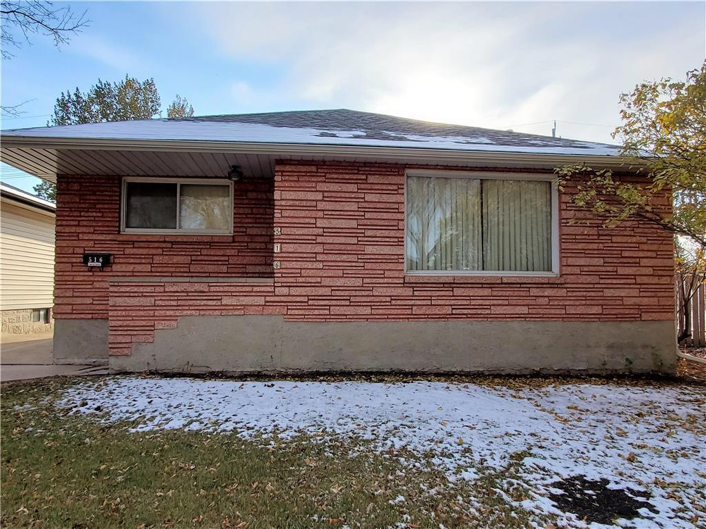 Main Photo:  in Winnipeg: East Kildonan Residential for sale (3D)  : MLS®# 202026471