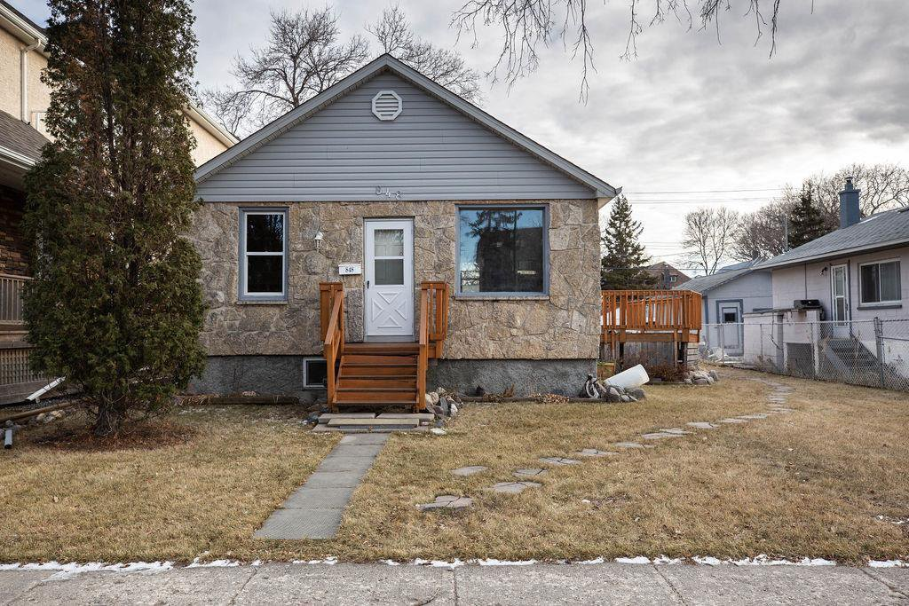Main Photo: 848 Beresford Avenue in Winnipeg: Lord Roberts Residential for sale (1Aw)  : MLS®# 202028116