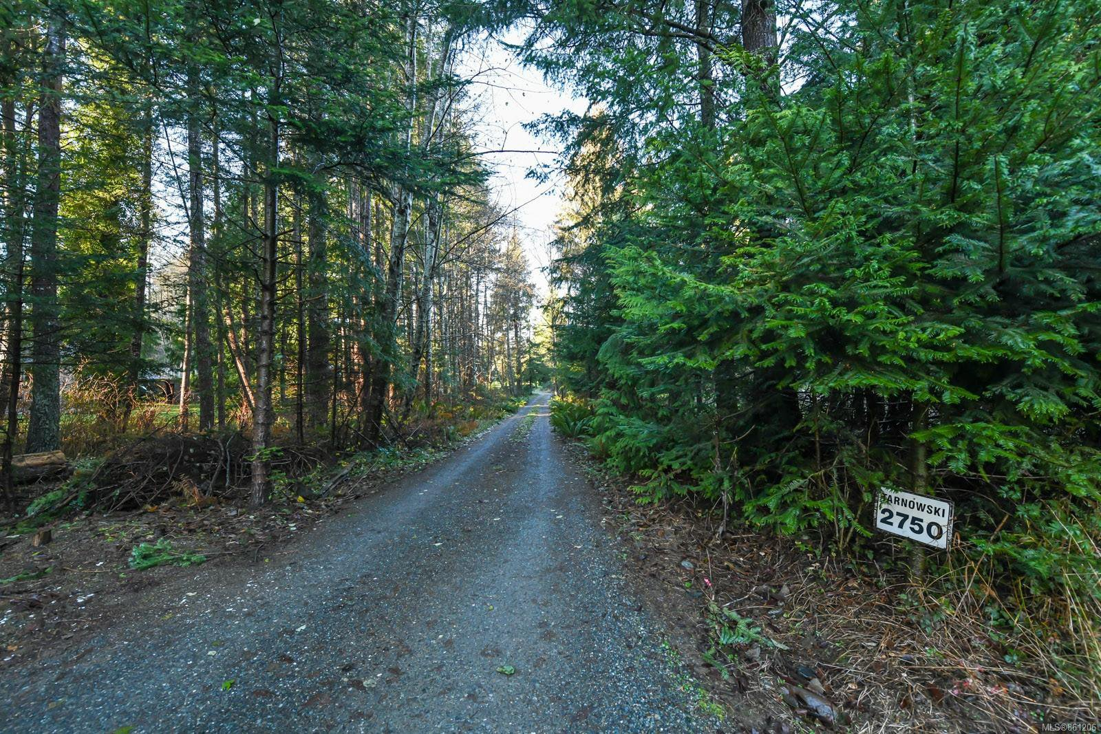 Main Photo: 2750 Wentworth Rd in : CV Courtenay North House for sale (Comox Valley)  : MLS®# 861206