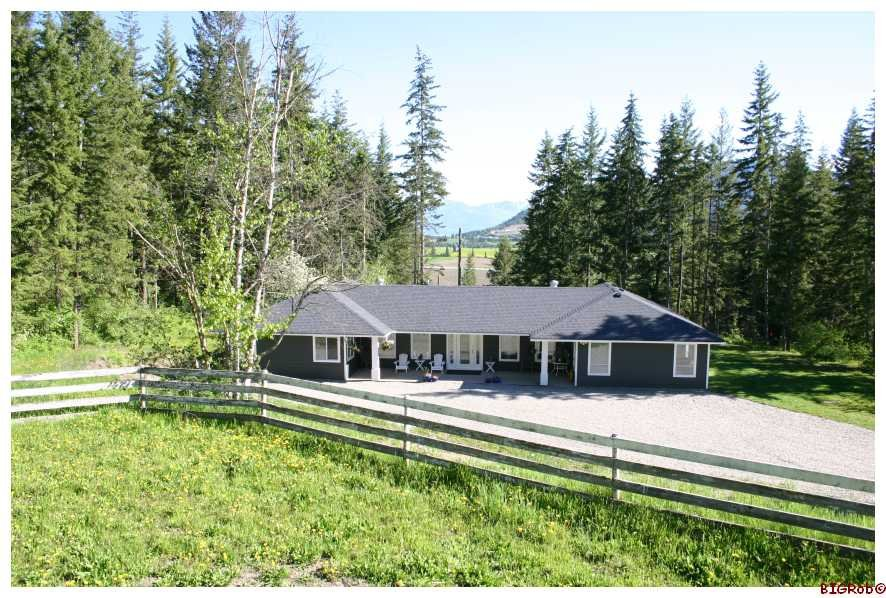Main Photo: 4110 White Lake Road in Tappen: White Lake - Blind Bay Residential Detached for sale : MLS®# 10028859