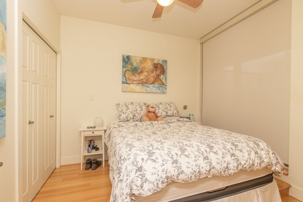 "Photo 6: Photos: 213 2250 COMMERCIAL Drive in Vancouver: Grandview Woodland Condo for sale in ""MARQUEE ON THE DRIVE"" (Vancouver East)  : MLS®# R2430676"