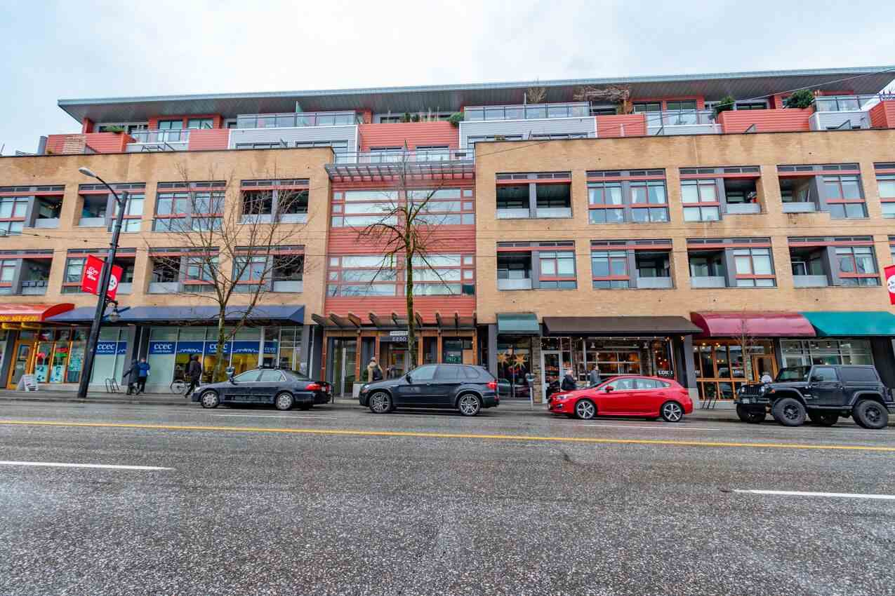 "Photo 19: Photos: 213 2250 COMMERCIAL Drive in Vancouver: Grandview Woodland Condo for sale in ""MARQUEE ON THE DRIVE"" (Vancouver East)  : MLS®# R2430676"