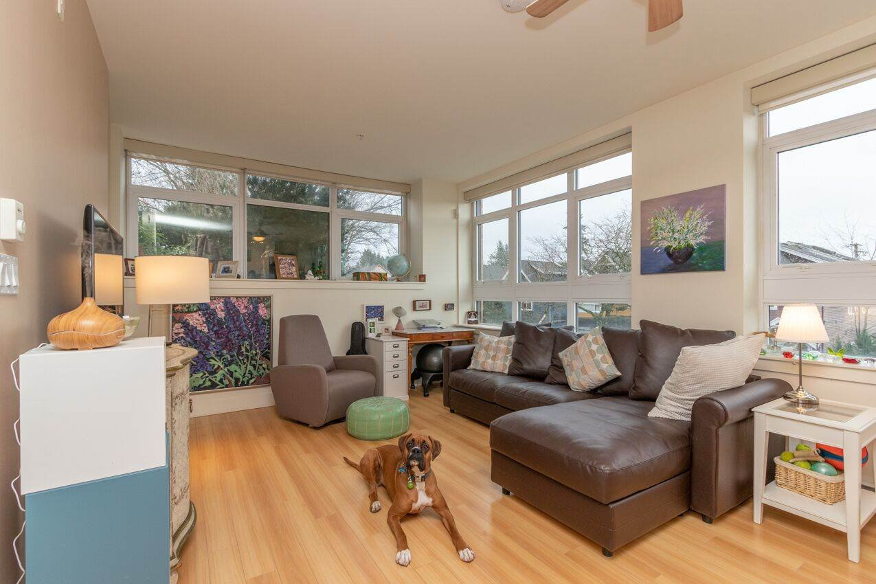 "Photo 15: Photos: 213 2250 COMMERCIAL Drive in Vancouver: Grandview Woodland Condo for sale in ""MARQUEE ON THE DRIVE"" (Vancouver East)  : MLS®# R2430676"