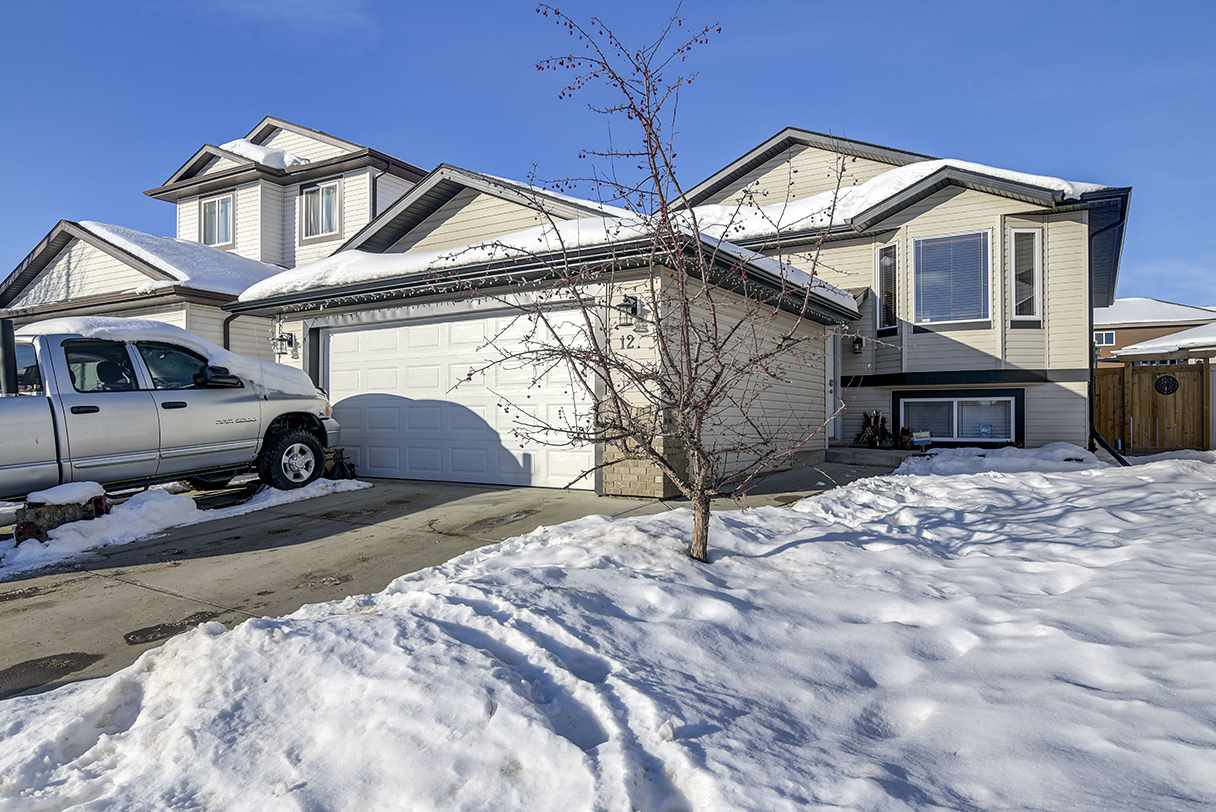 Main Photo: 12 MCLEAN Bend: Leduc House for sale : MLS®# E4222462