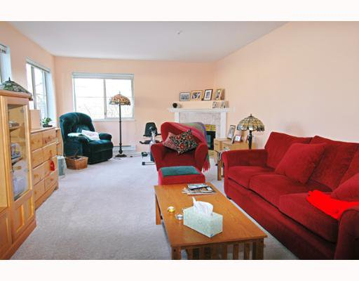 """Photo 2: Photos: 202 19128 FORD Road in Pitt Meadows: Central Meadows Condo for sale in """"BEACON SQUARE"""" : MLS®# V638503"""