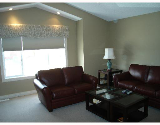 Photo 7: Photos: : Chestermere Residential Detached Single Family for sale : MLS®# C3269947