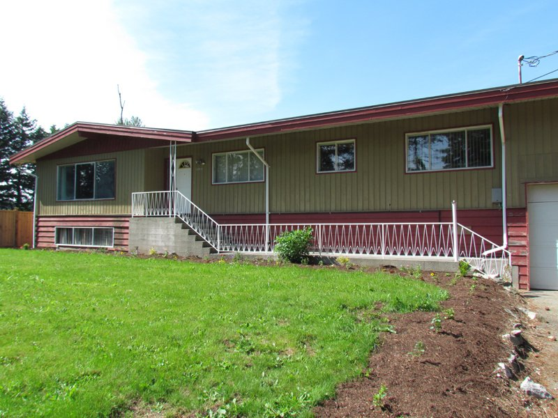 Main Photo: 28555 0 Ave in Abbotsford: Poplar House for rent