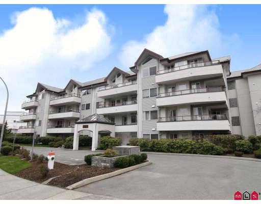 Main Photo: 304 2526 LAKEVIEW Crescent in Abbotsford: Central Abbotsford Condo for sale : MLS®# F2806584
