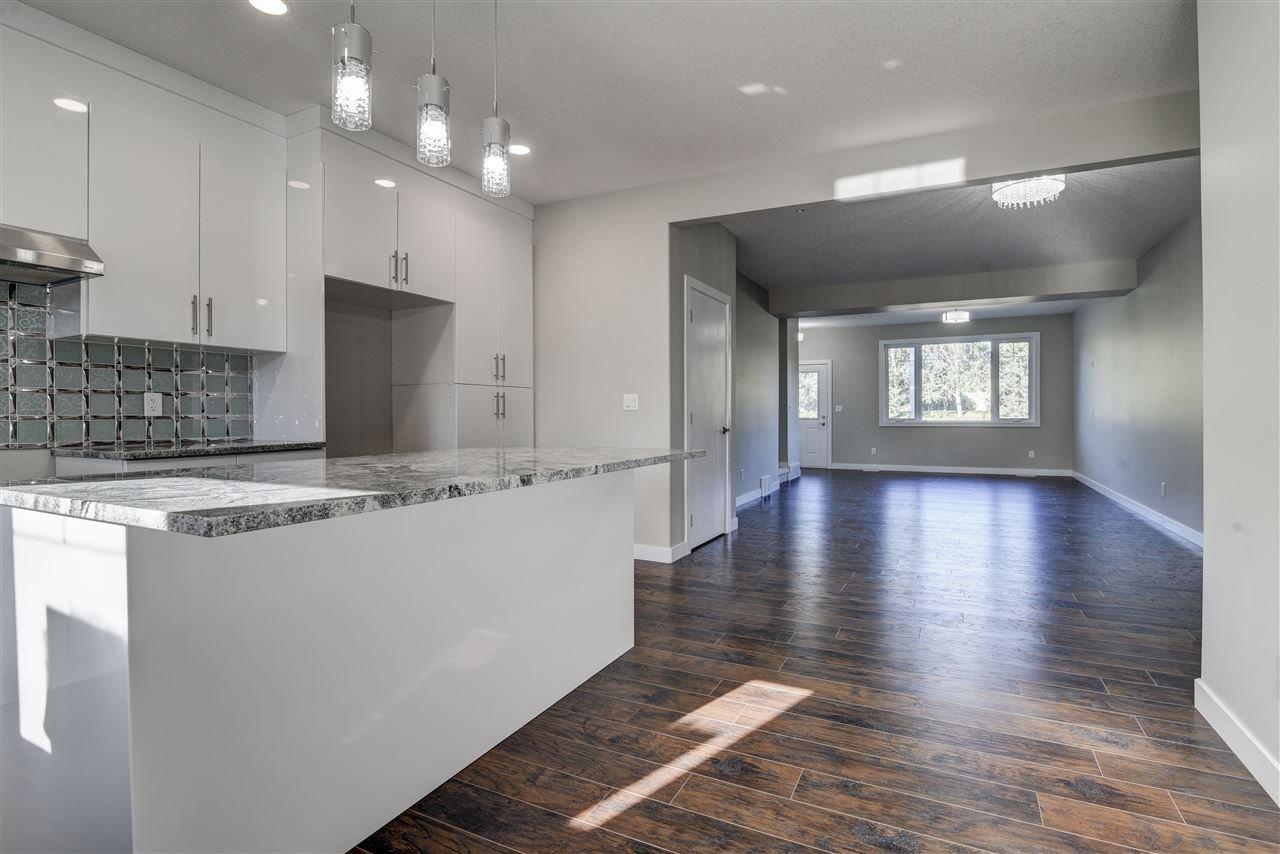 Main Photo: 10357 149 Street in Edmonton: Zone 21 House Half Duplex for sale : MLS®# E4200015