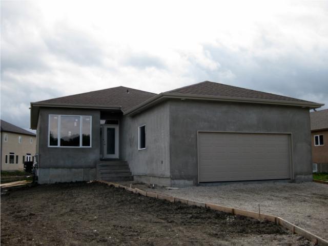 Main Photo: 27 Foxrun Place in WINNIPEG: West Kildonan / Garden City Residential for sale (North West Winnipeg)  : MLS®# 1001489